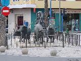 Skulptur vor Arena